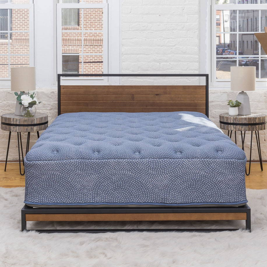 Best hybrid mattress. Plush beds with support