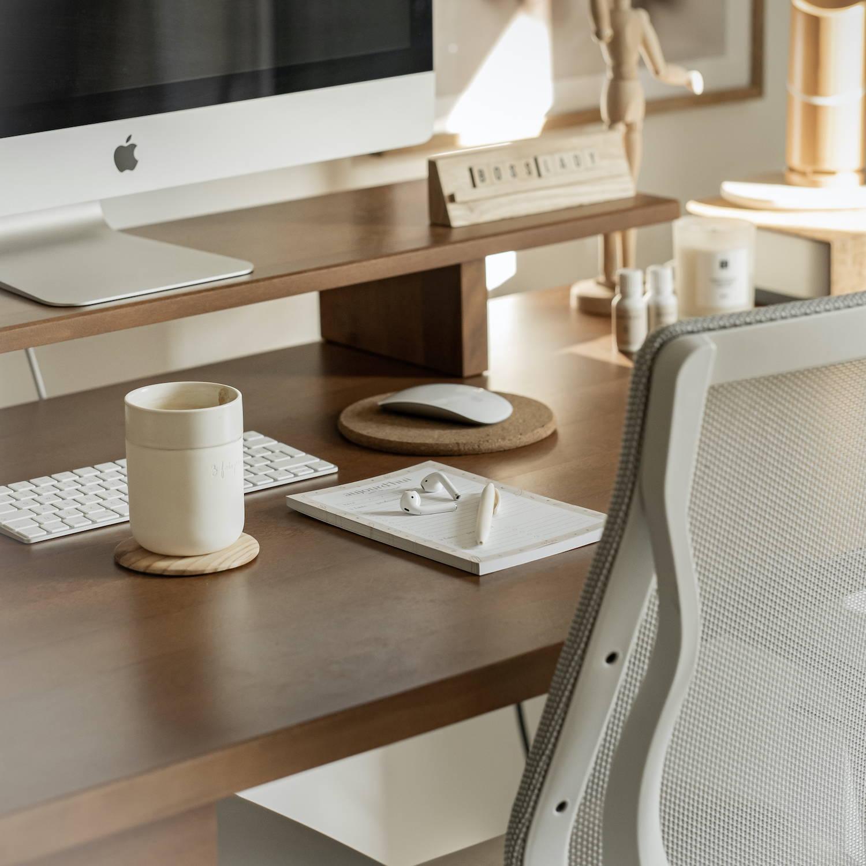 The Sway standing desk - Birch