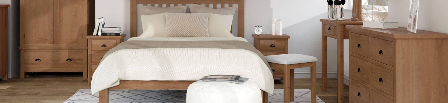Pershore Oak Bedroom