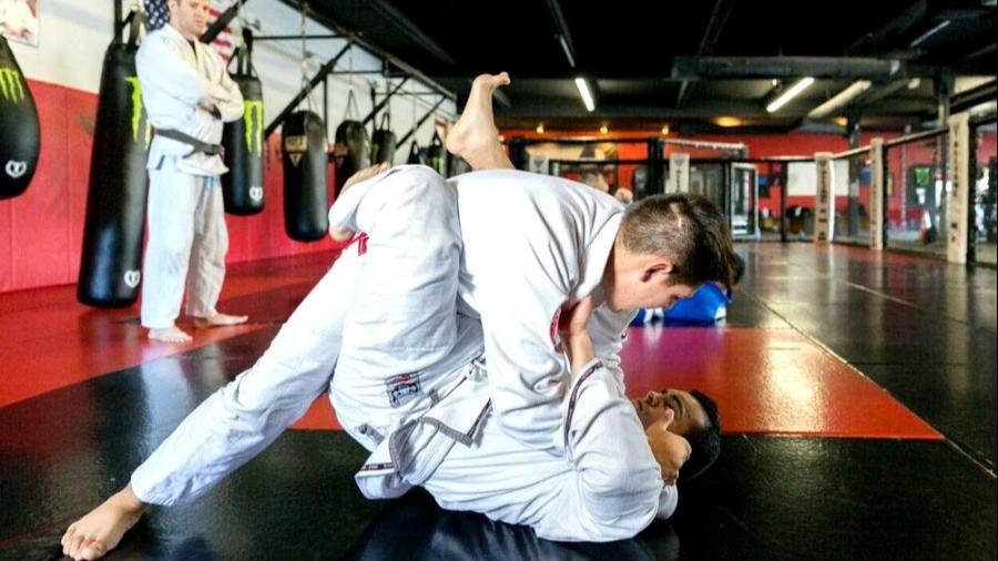 jiu jitsu class MMA