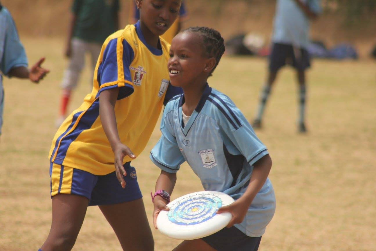 ARIA professional official ultimate flying disc for the sport commonly known as 'ultimate frisbee'  teaching kids to play