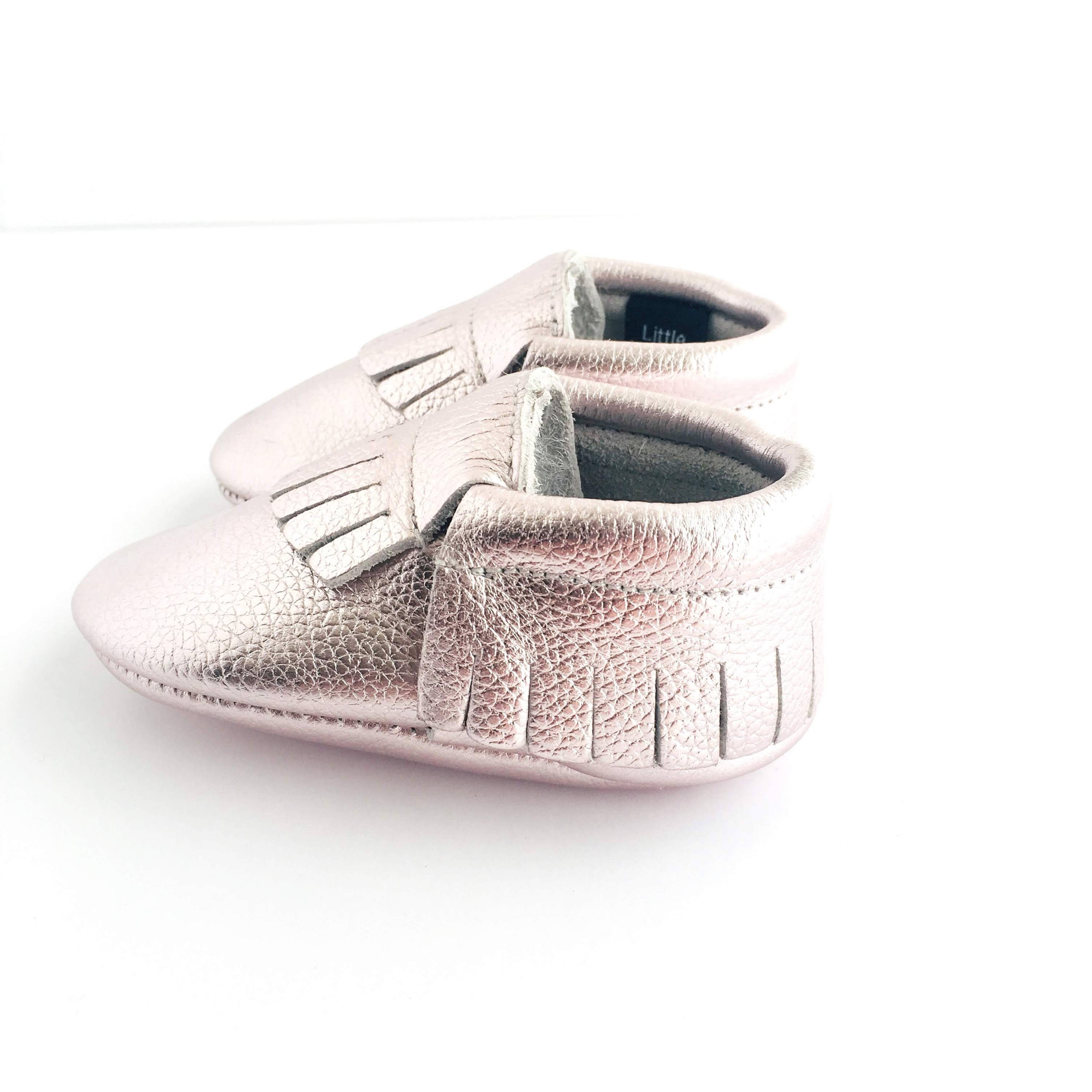 Metallic Pink colour soft sole shoes with fringe sole view
