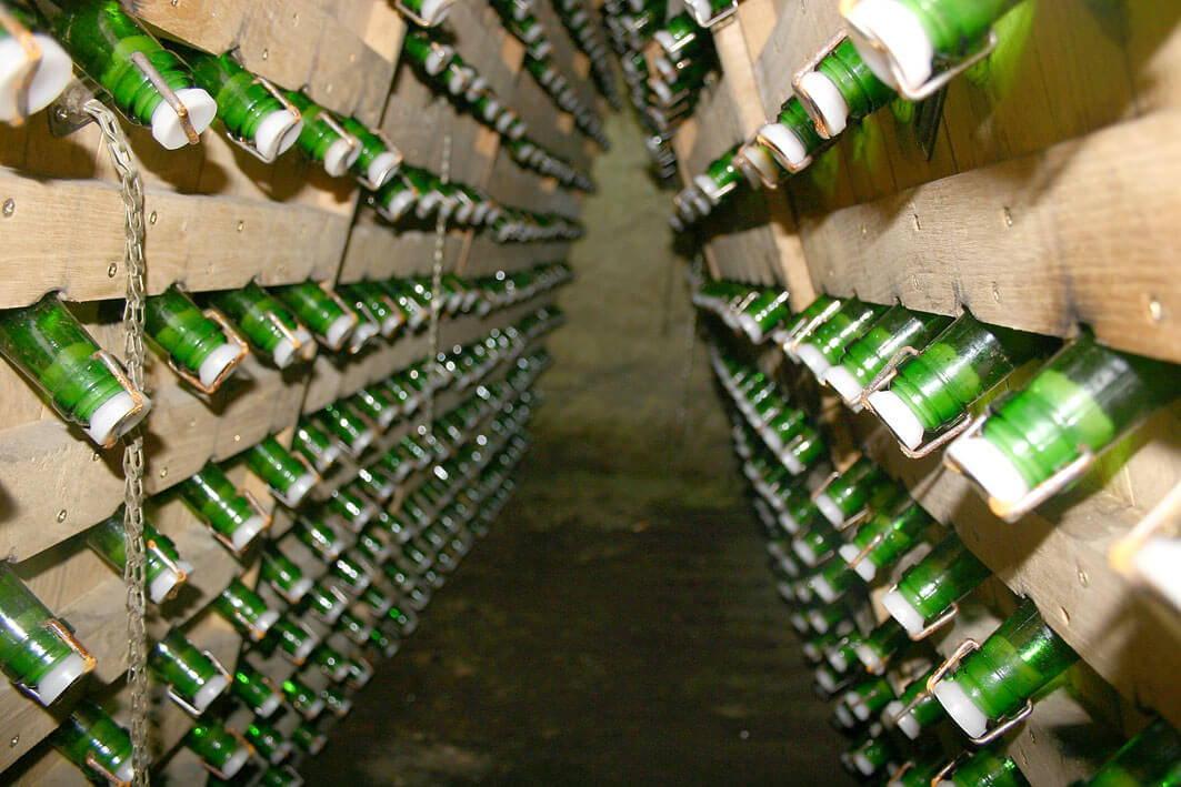 Herstellungsprozess von Champagner - Flaschengärung