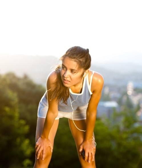 Femme qui fait du jogging