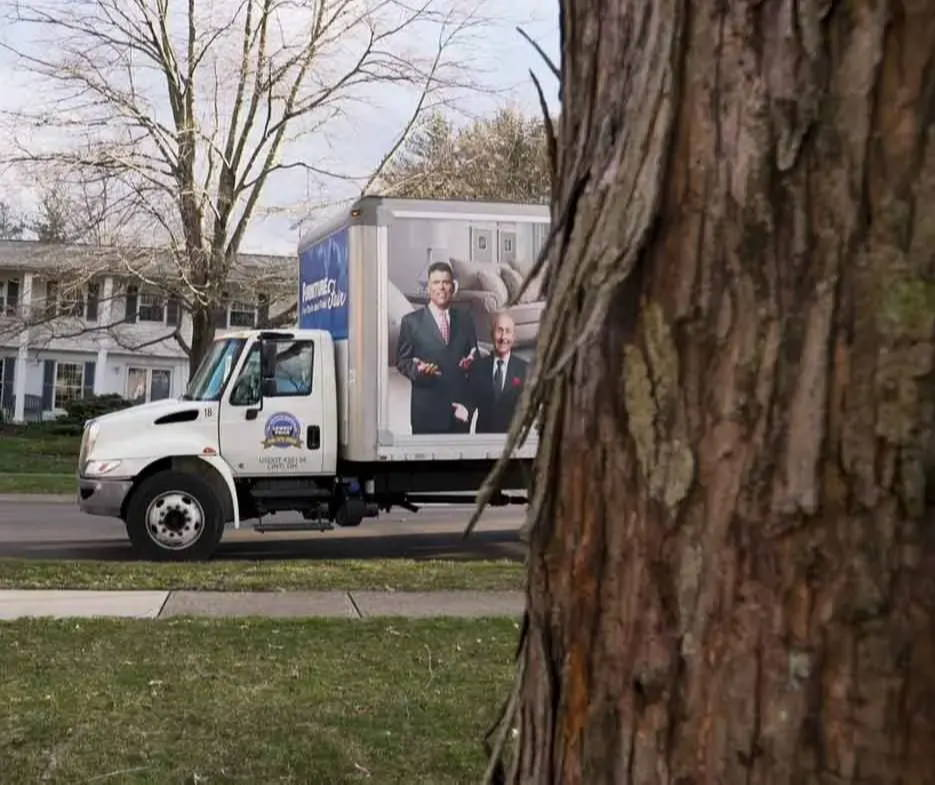 Contactless Delivery: What is Curbside Furniture Delivery?