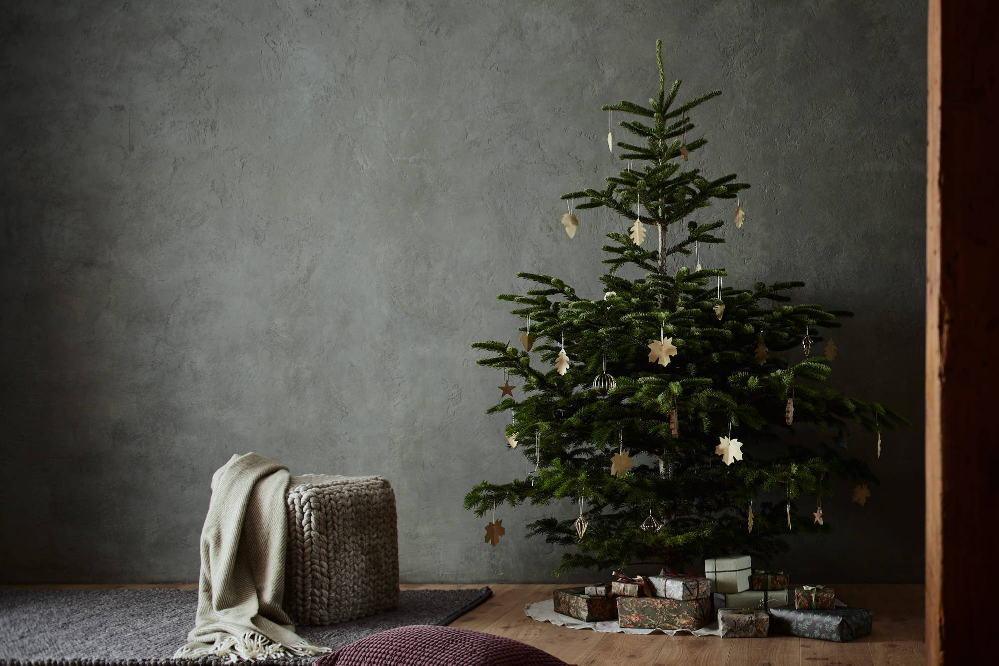 Christmas tree with pouffe and blanket