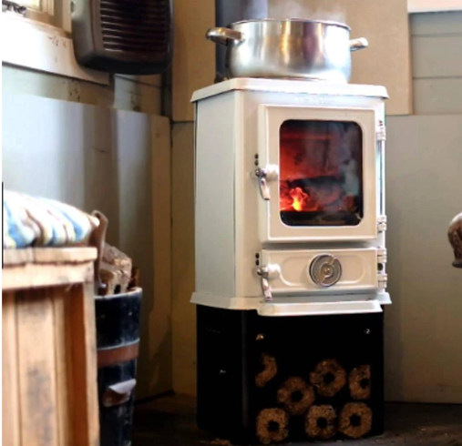 Hobbit small wood burning stove 4kw