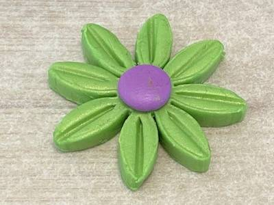 Add centre detail to polymer clay flower