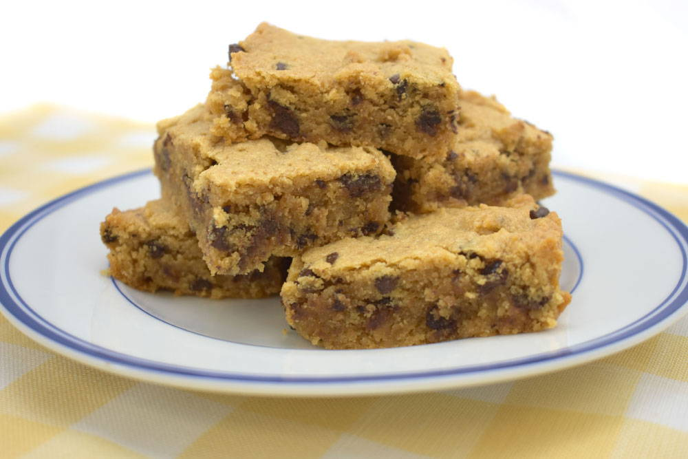 Bake Gluten-Free chocolate chip, peanut butter cookie bars