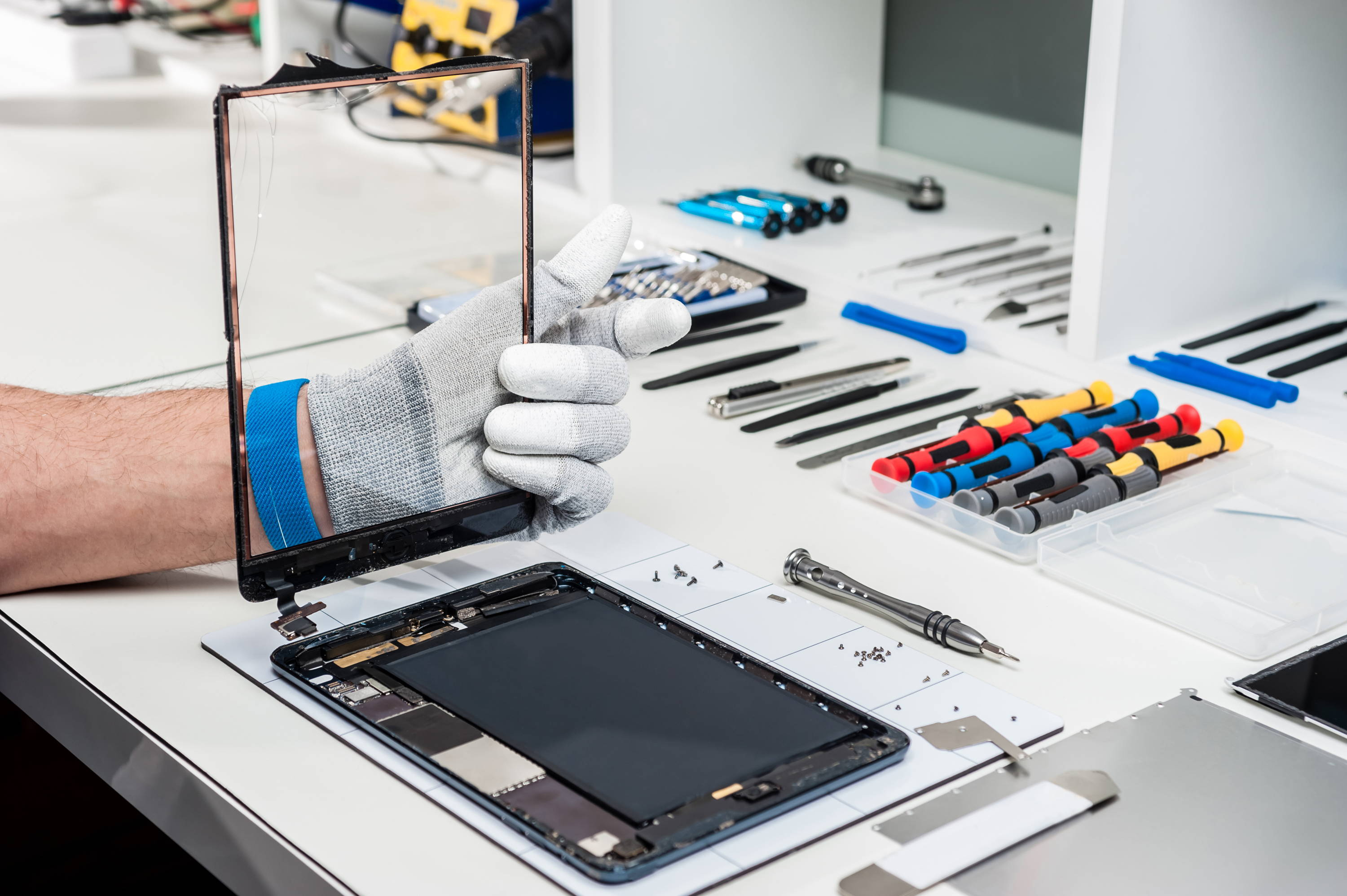 Broken Ipad Screen? Don't worry! Get it fixed while you wait. Paddington, experts in iPhone, iPad, Samsung Tab screen Repair