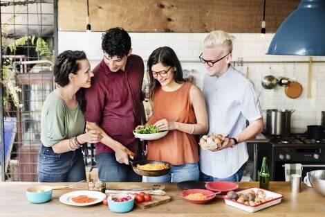Cuisiner soi-même et éviter les sucres cachés dans les plats de restaurants