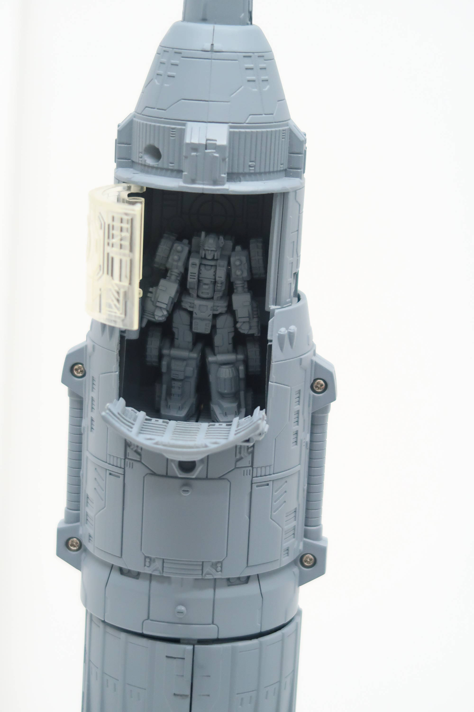 Transformers News: Interview about Siege Omega Supreme with new Image of Details and Gimmicks