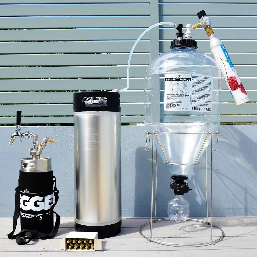 A complete package with the fermenter and 23L premium keg package
