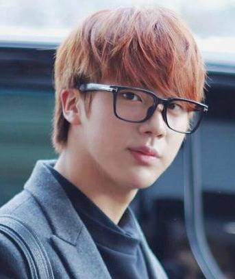 Jin wears the Jupiter Rectangular