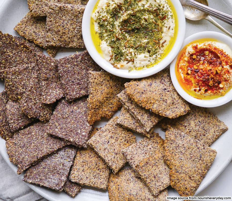 Flaxseed crackers with dips
