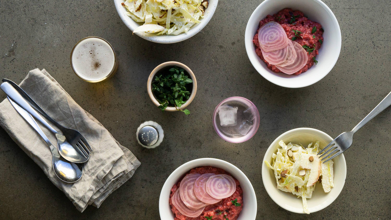 Anretning af rødbederisotto fra grøds måltidskasse
