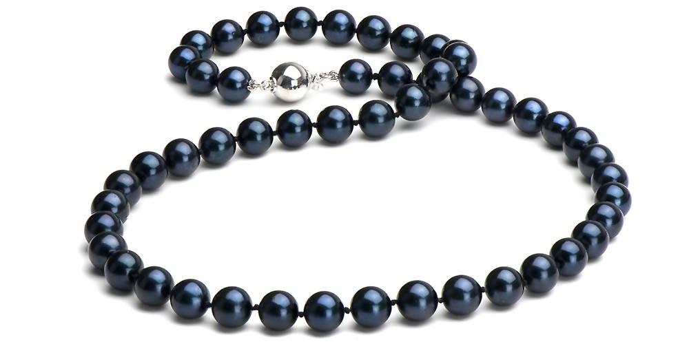 Pearl Colors: Black Akoya Pearls