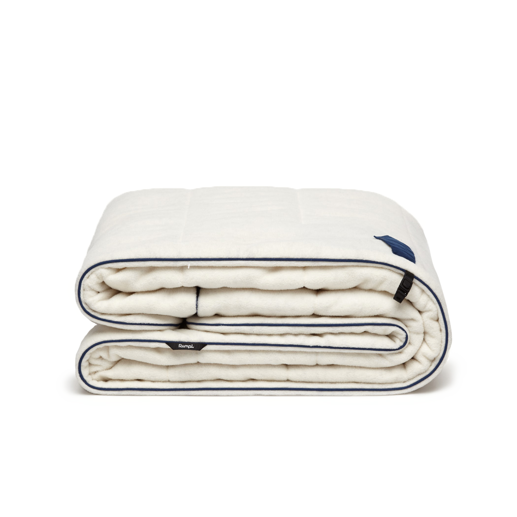 White Polar Fleece Blanket | The Polar Puffy Blanket | Rumpl