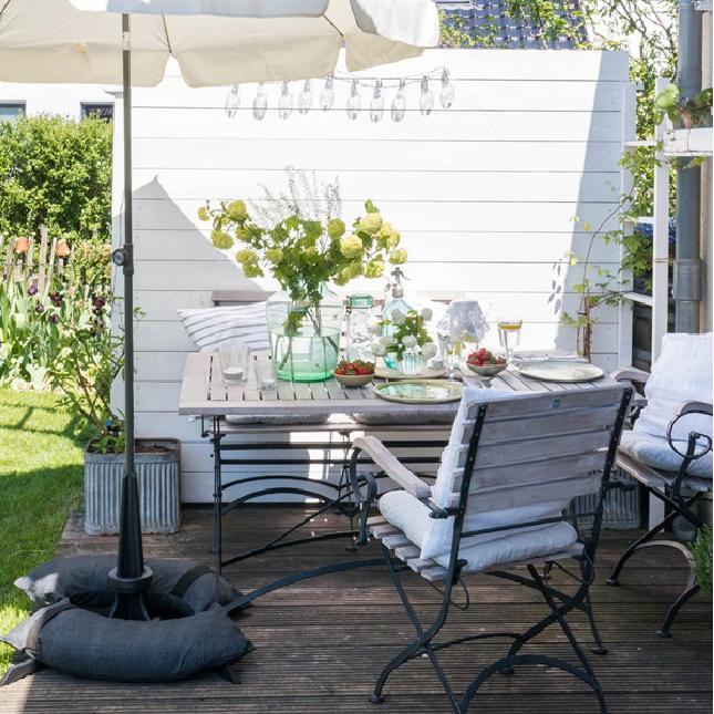 Baser Sonnenschirmständer Holz Terrasse Schatten Tisch Stühle