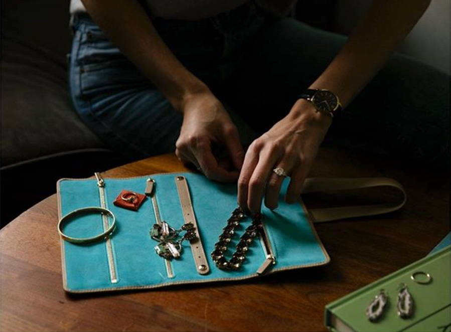 Lindsay's Gertrude Leather Jewellery Roll