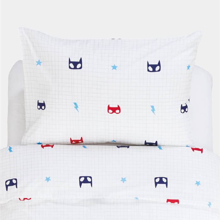 Kids' bedding with superhero print