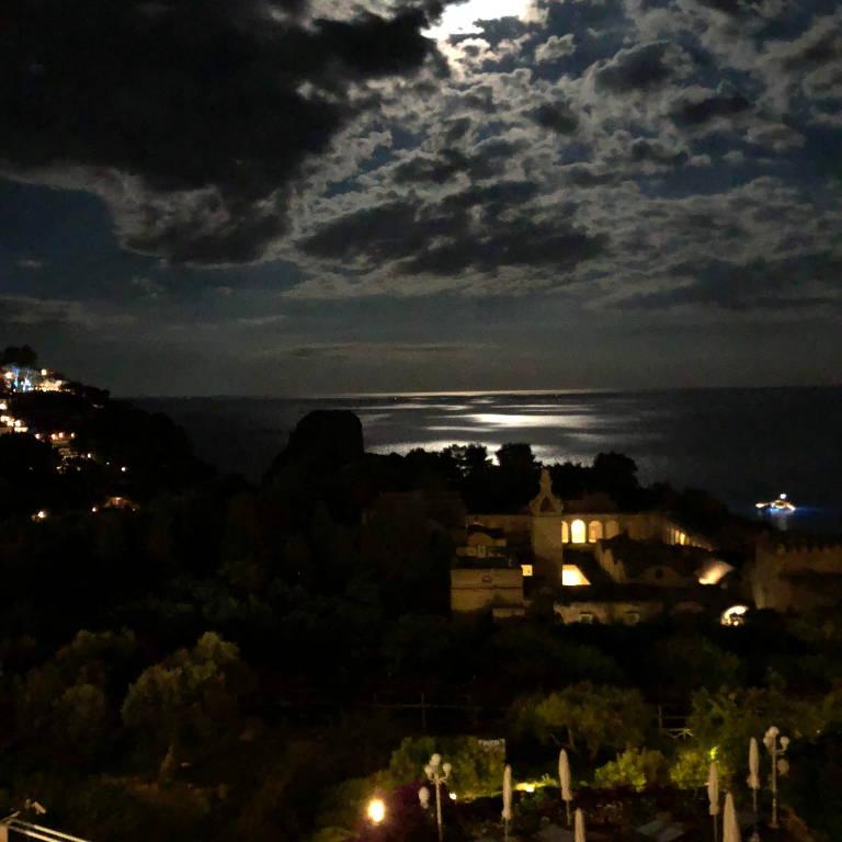 Capri Alavonauersperg Com