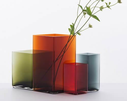 Discover 12 contemporary vases and vessels that are holiday-ready.