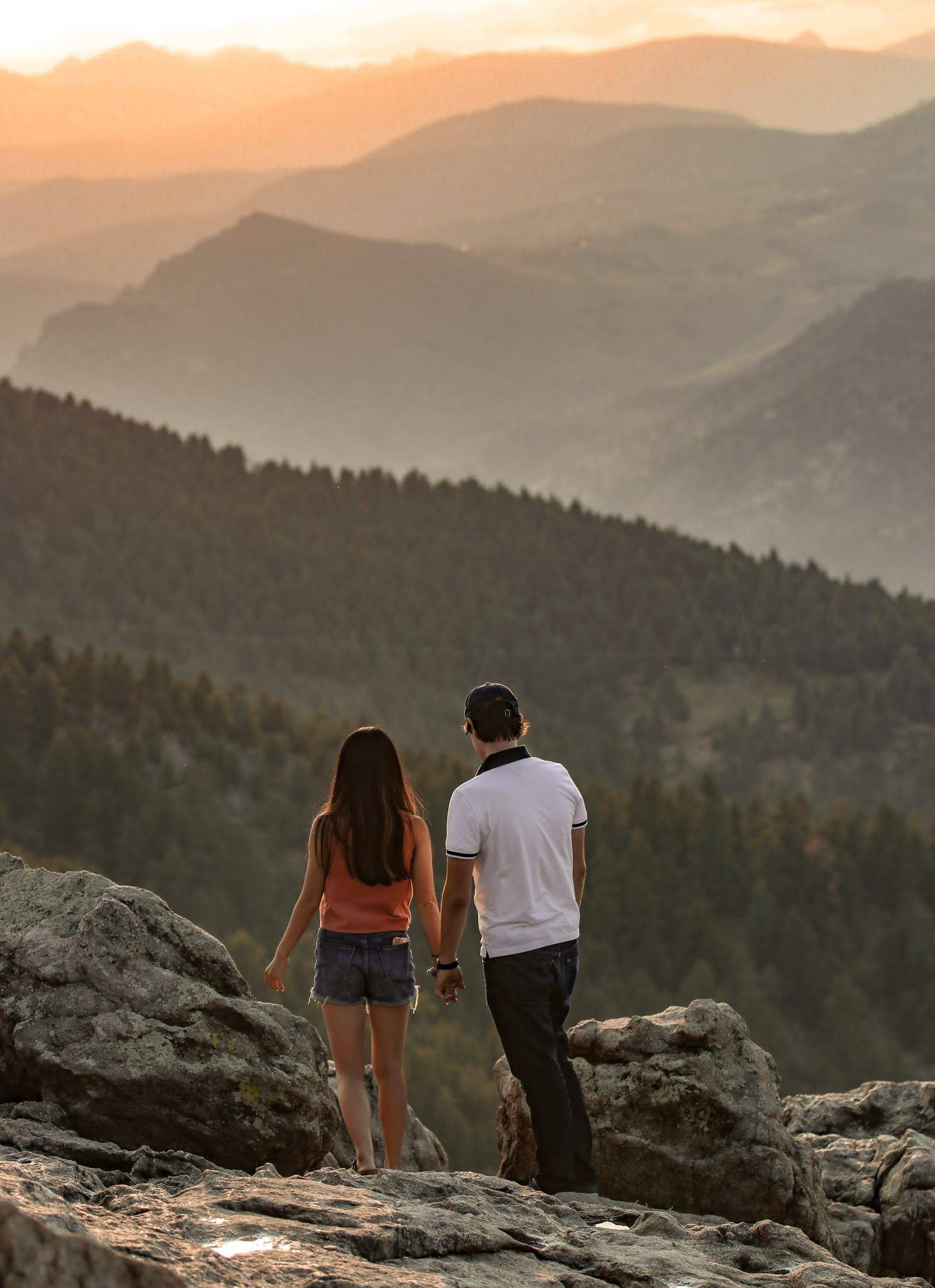 Henne Engagement Ring Couple Jordan and Linda Overlooking the Rocky Mountains