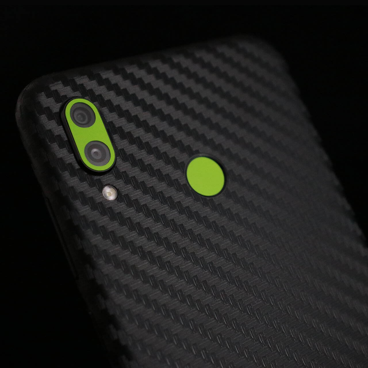Honor Play Black Carbon Fibre and Matt Green Skins