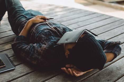Un conseil contre la fatigue : faire une sieste
