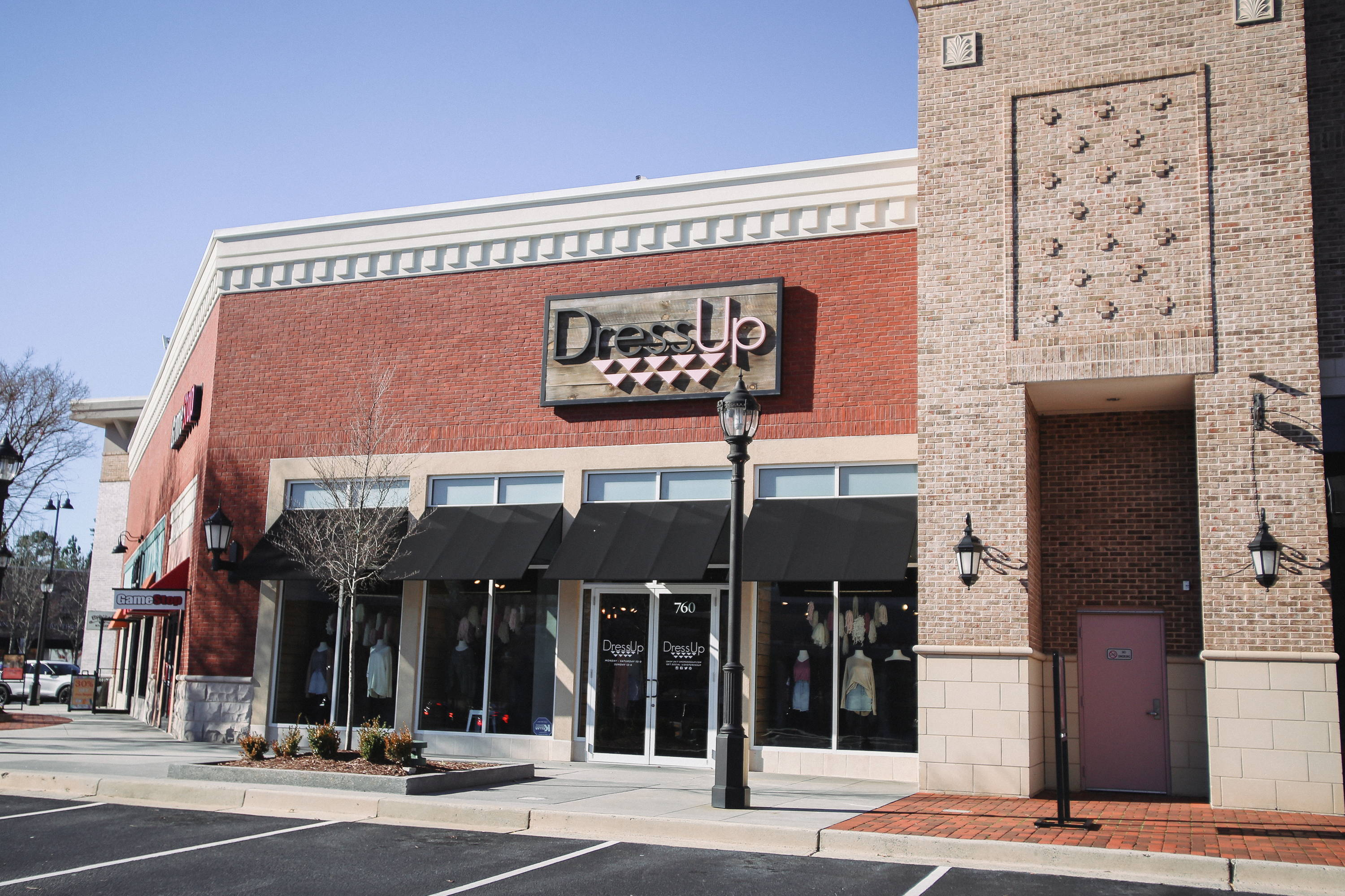 Dress Up - a women's clothing boutique in West Cobb