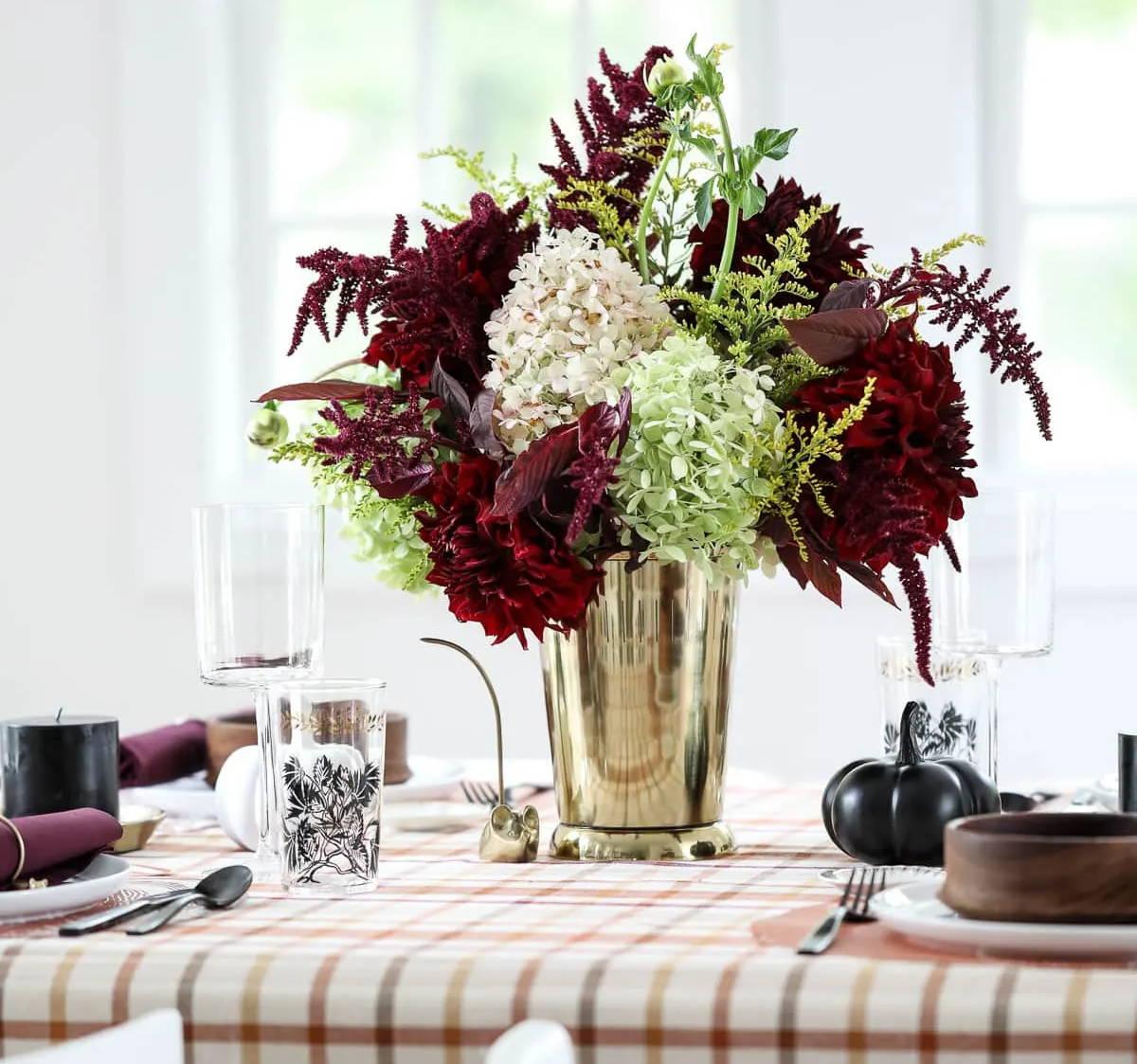 farmhouse dining table centerpiece