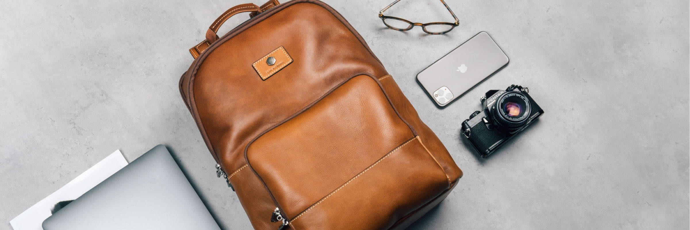 MEN'S LEATHER BACKPACKS