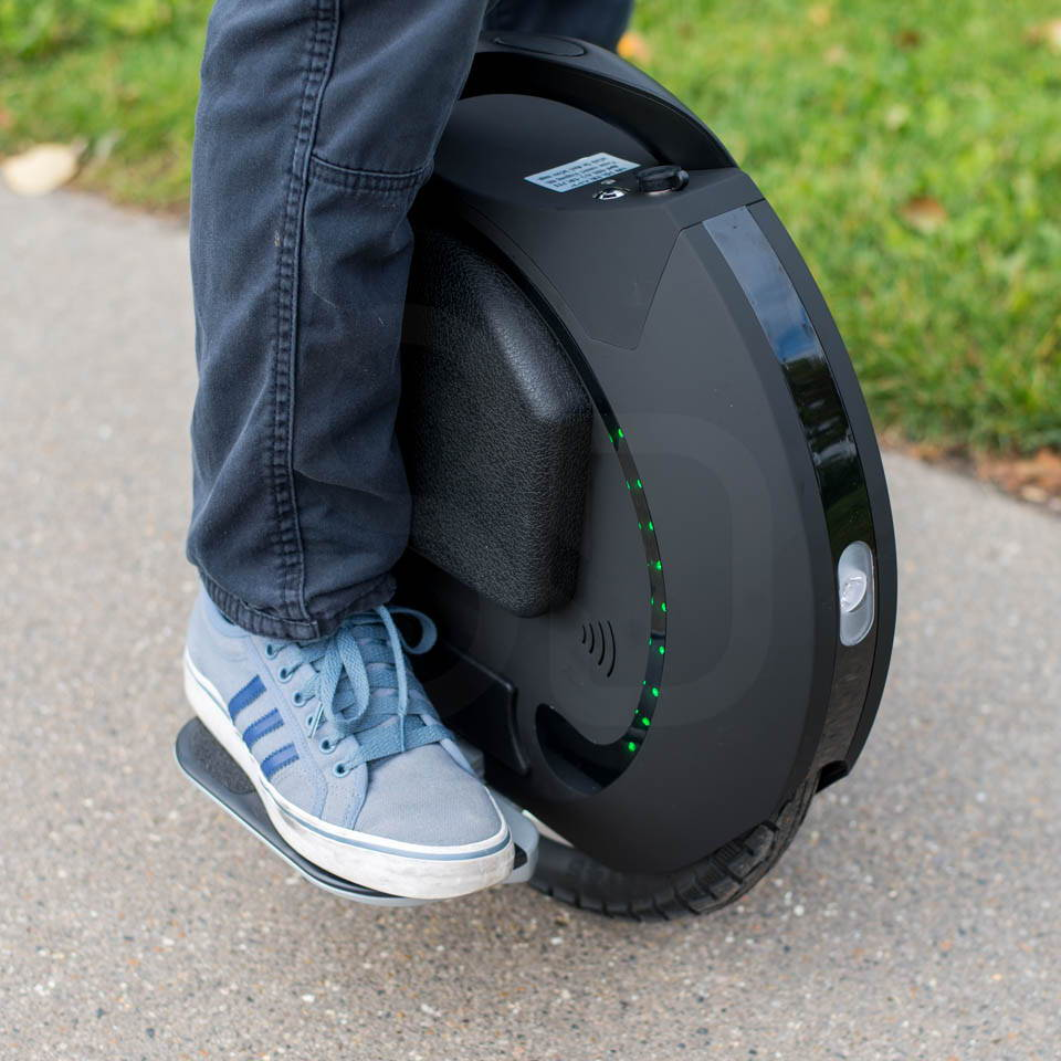 Kingsong KS16S Review mounting getting on right foot