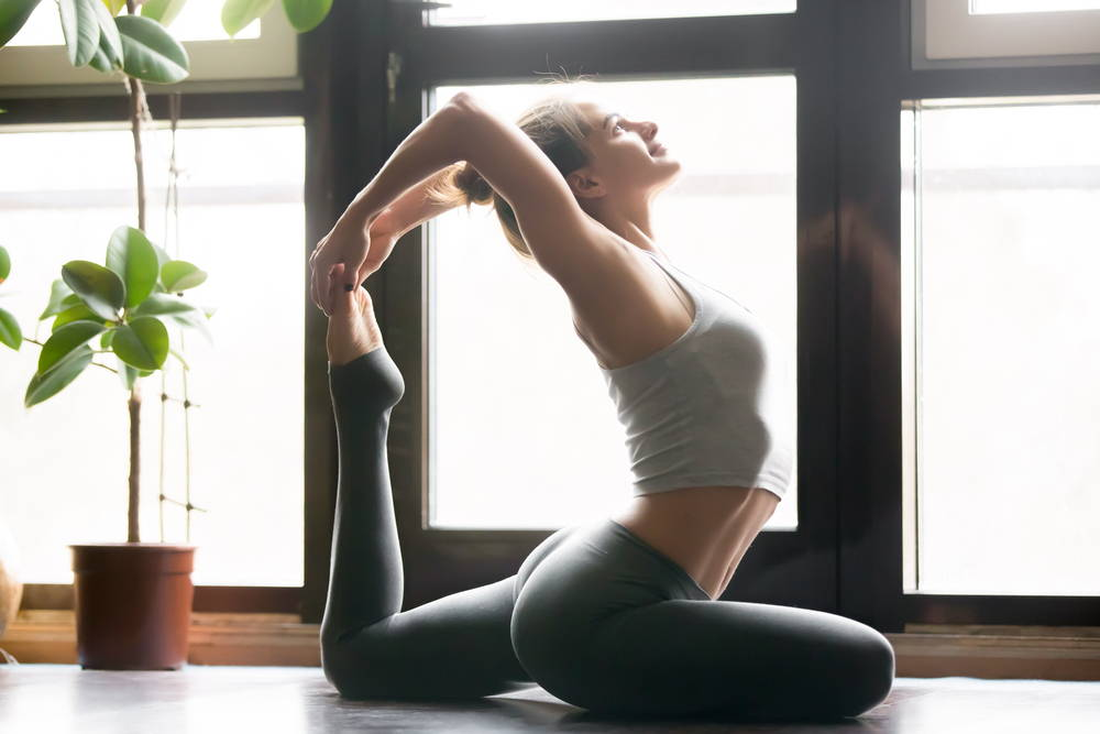 yoga poses flatten stomach strengthen core