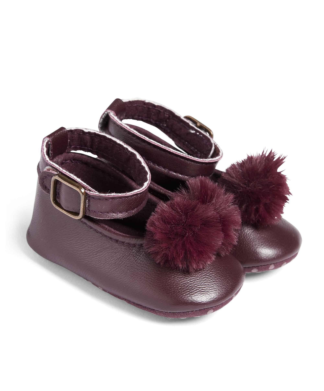 Pom Pom Shoe