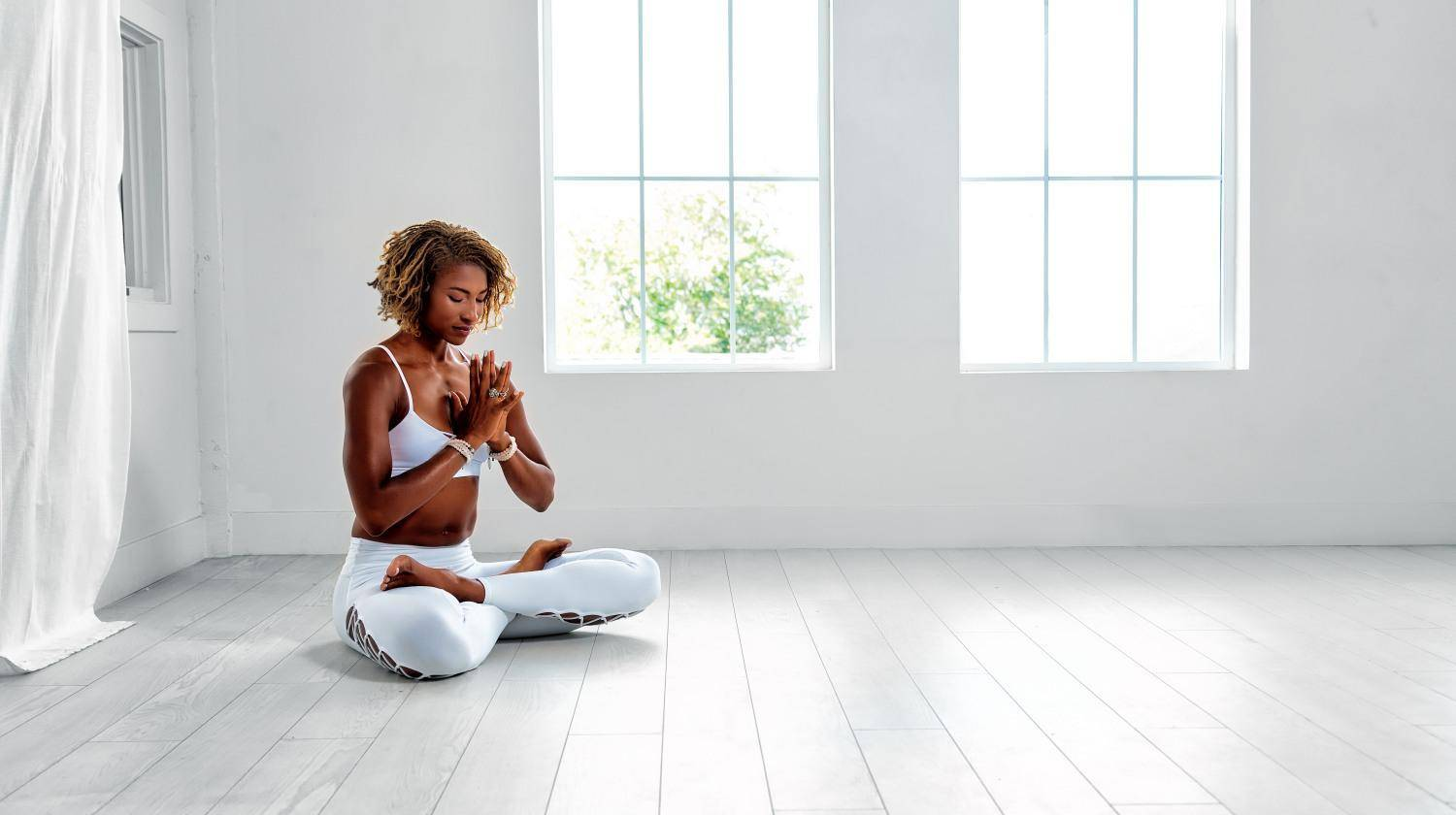 Featured | Ambassador Koya Webb White Yoga | Yoga Breathing Exercises: The Benefits Of Deep, Conscious, & Belly Breath