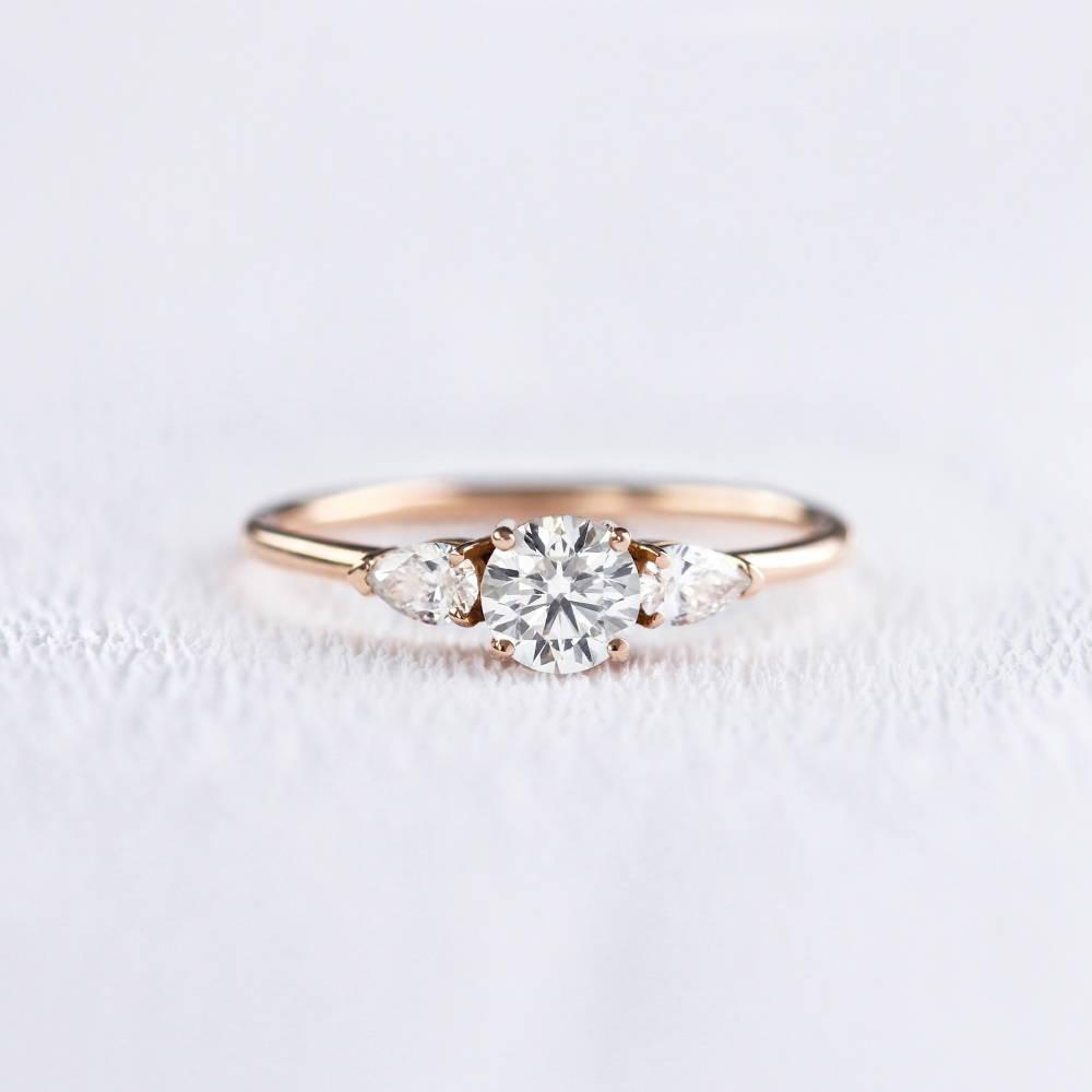 Bague de fiançailles trilogie en or et diamants | Deloison Paris