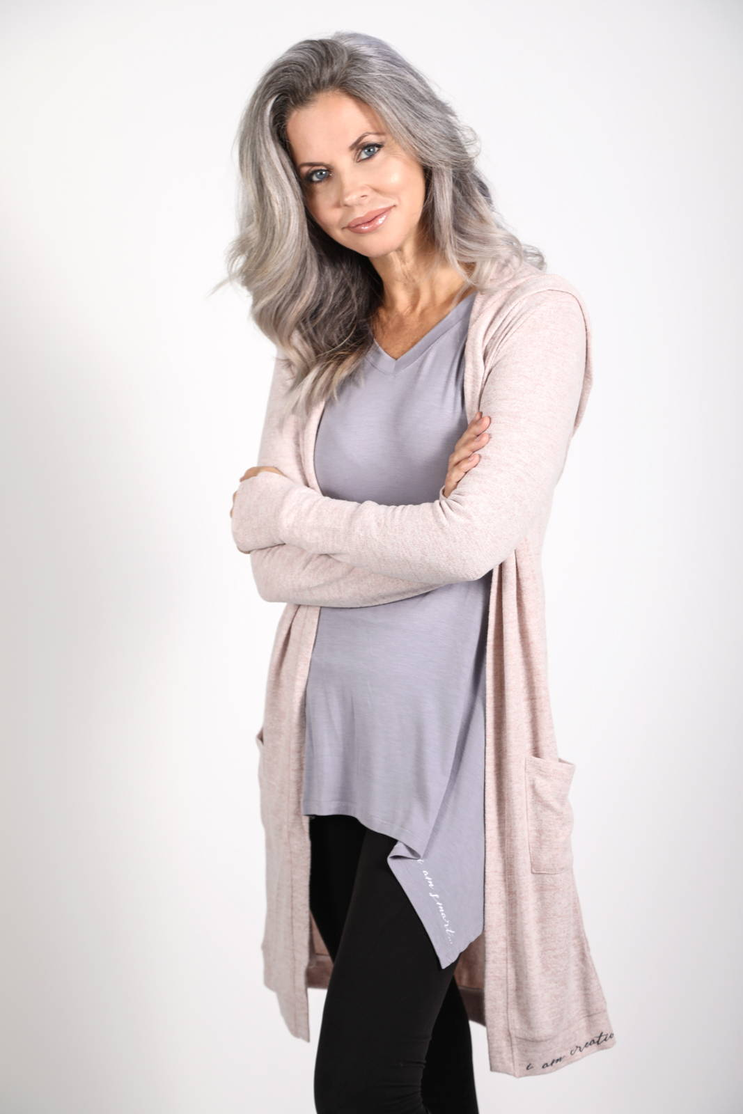 Model wearing the Solas Tee in Lavender Grey with the Feny Cardigan in Heather Blush