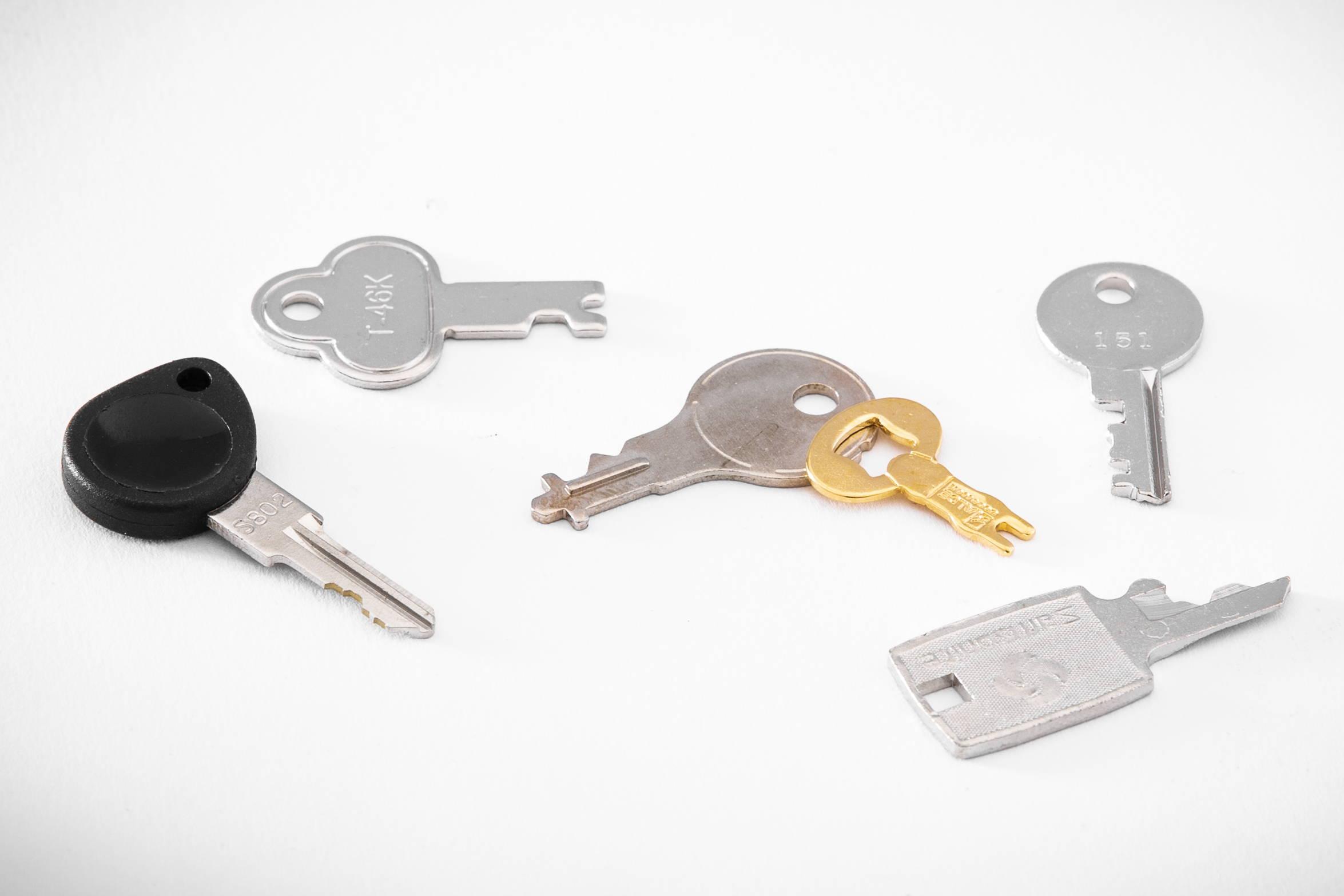 luggage keys