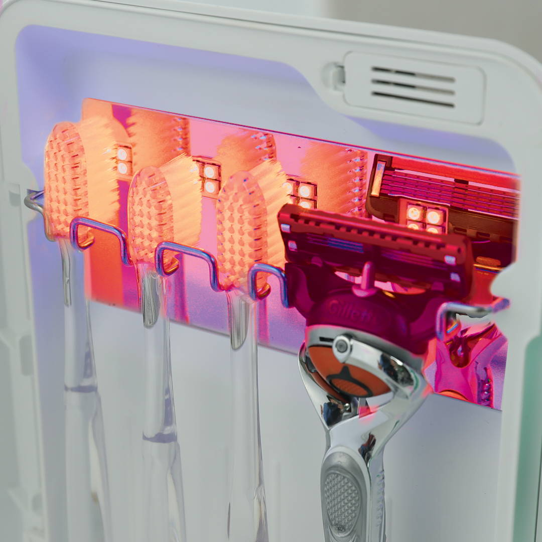Avari dries your toothbrush with heat.