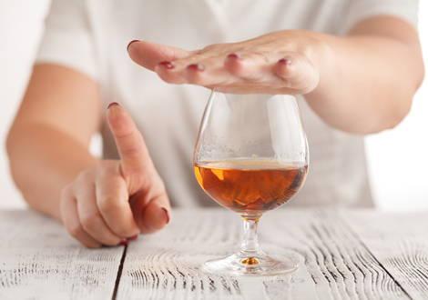 Une consommation excessive de stimulants tels que l'alcool ou la nicotine prive l'organisme de ses réserves minérales