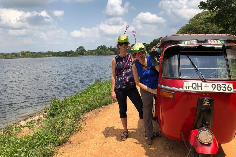 Travelbay Sri Lanka Tours - Nikki and Nicola