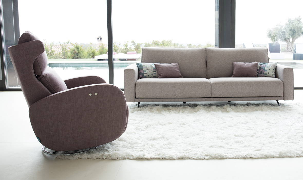 Kim Recliner By Fama