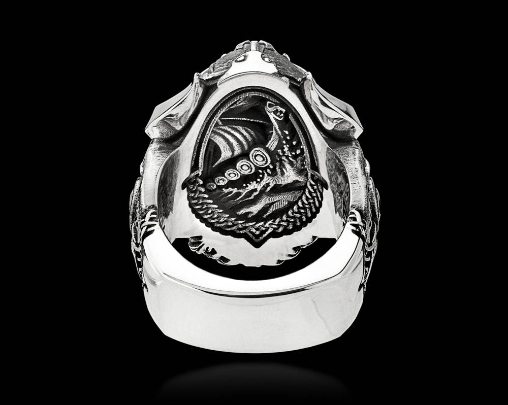 Einherjar Ring Undergallery Featuring a Viking Longship at Sea