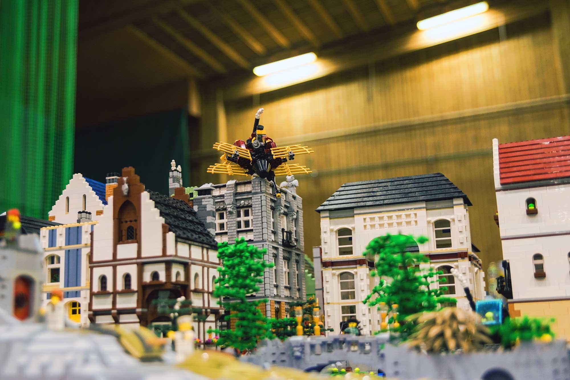 Helsingissä lastentapahtuma LEGO-kaupunki