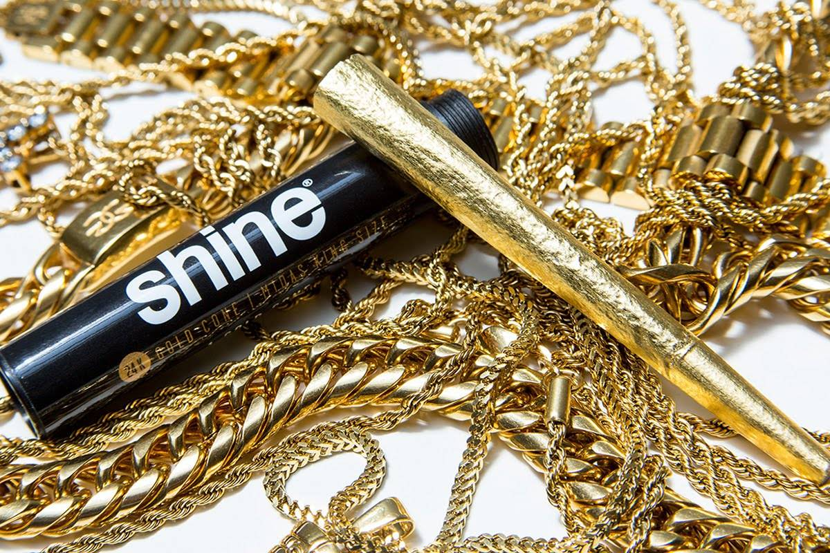 Shine 24k Gold Rolling Papers at DopeBoo