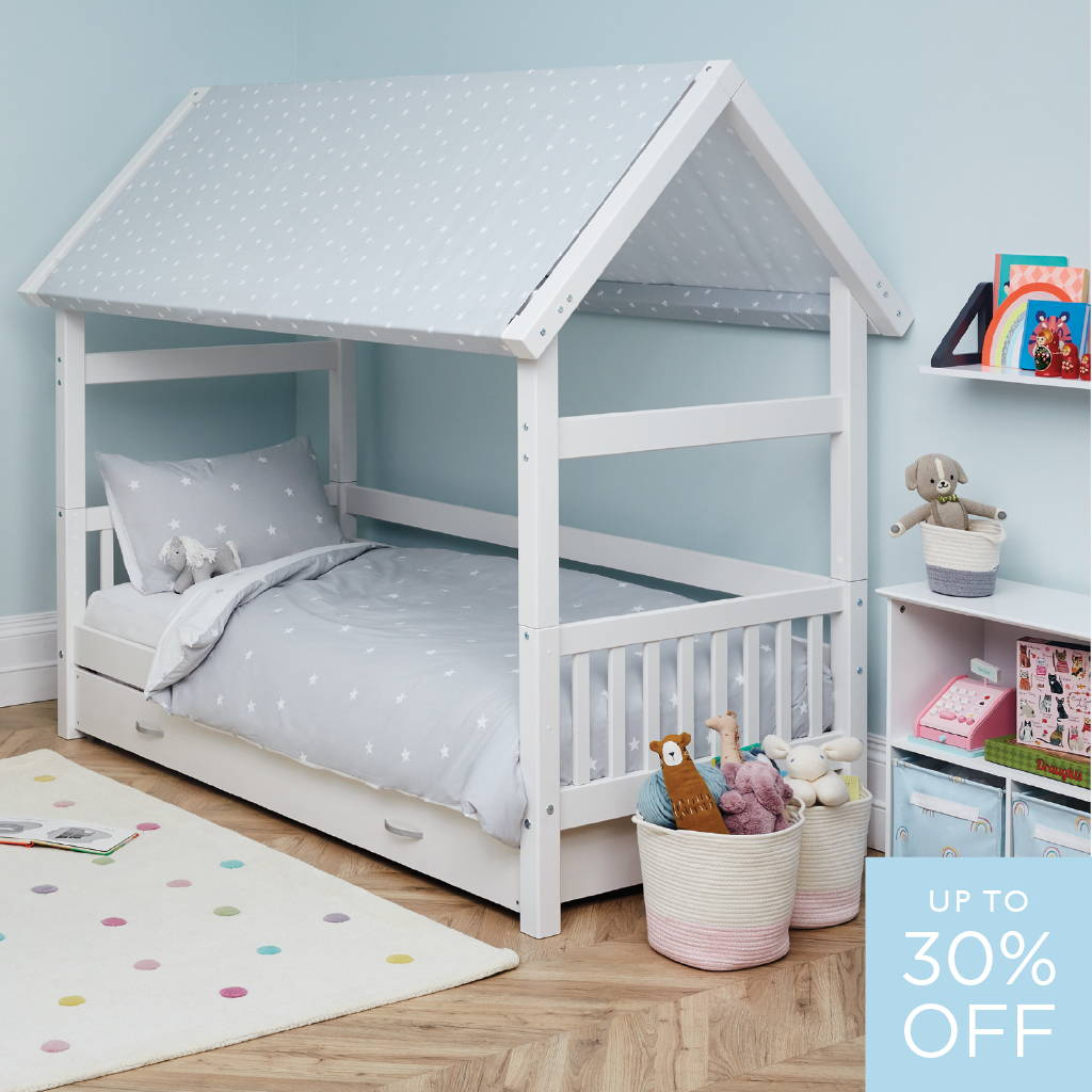 Griffin canopy day bed