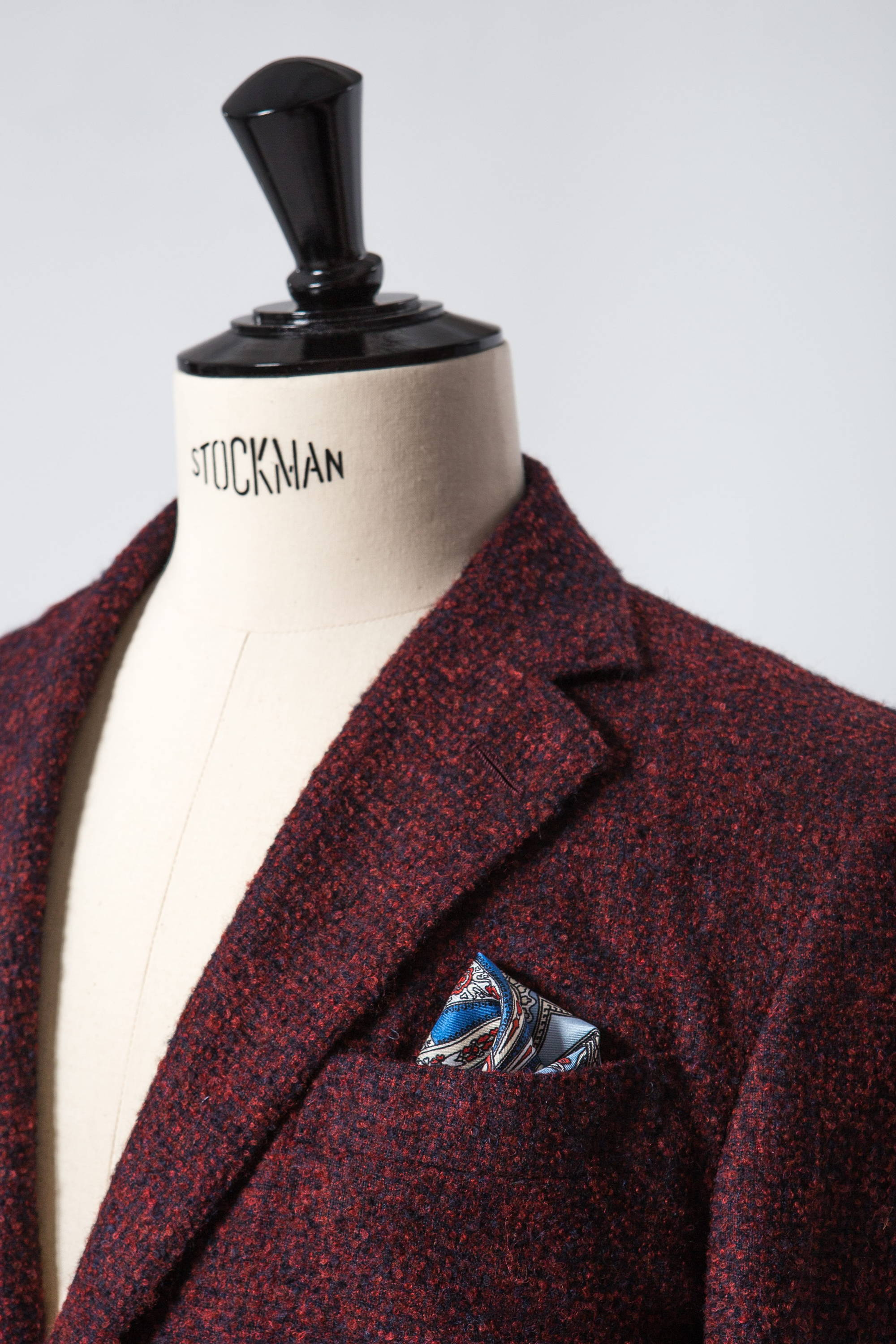 Red and navy mix unstructured summer suit jacket lapel detail