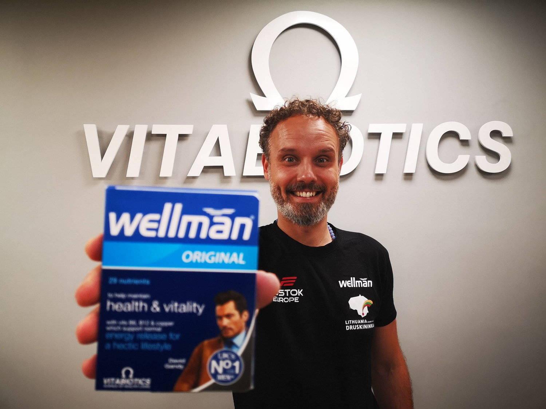 Karolis Mieliauskas Holding Wellman Original Pack